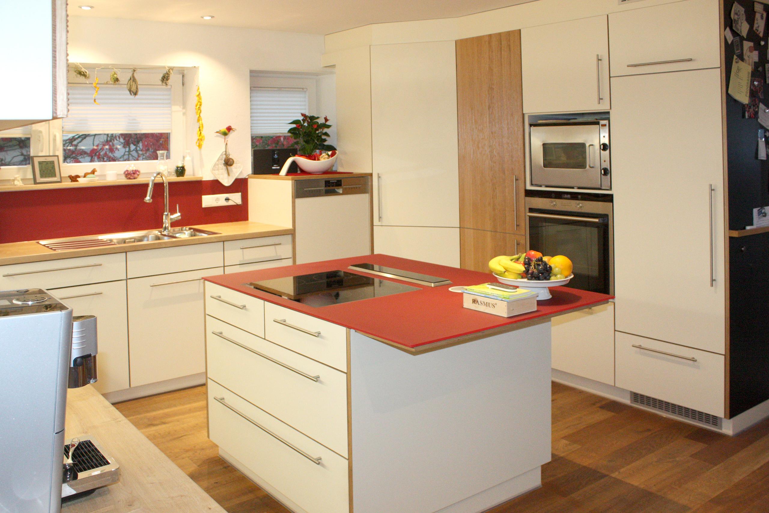 Weißrot Kücheninsel Möbelwerkstatt Boos