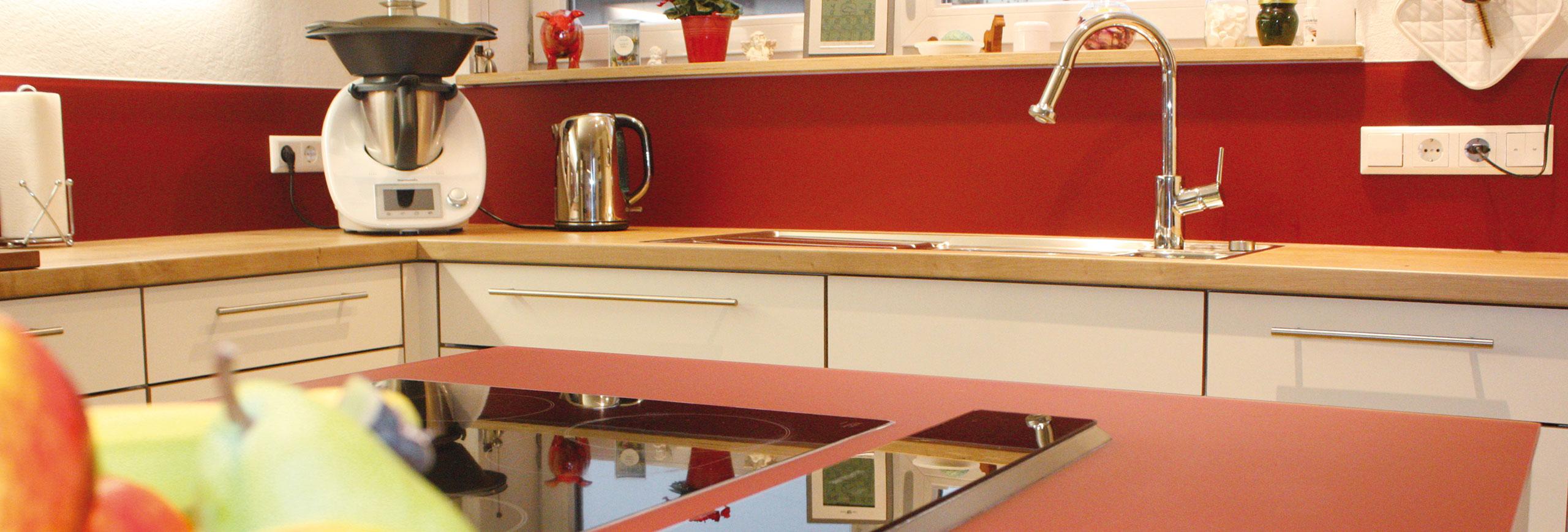 weiß/rot + Kücheninsel » Möbelwerkstatt Boos